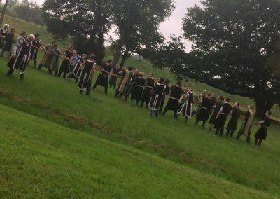 jeux ludiques enterrement de vie de garçon idée activite evjf combat sabre laser combat au sabre