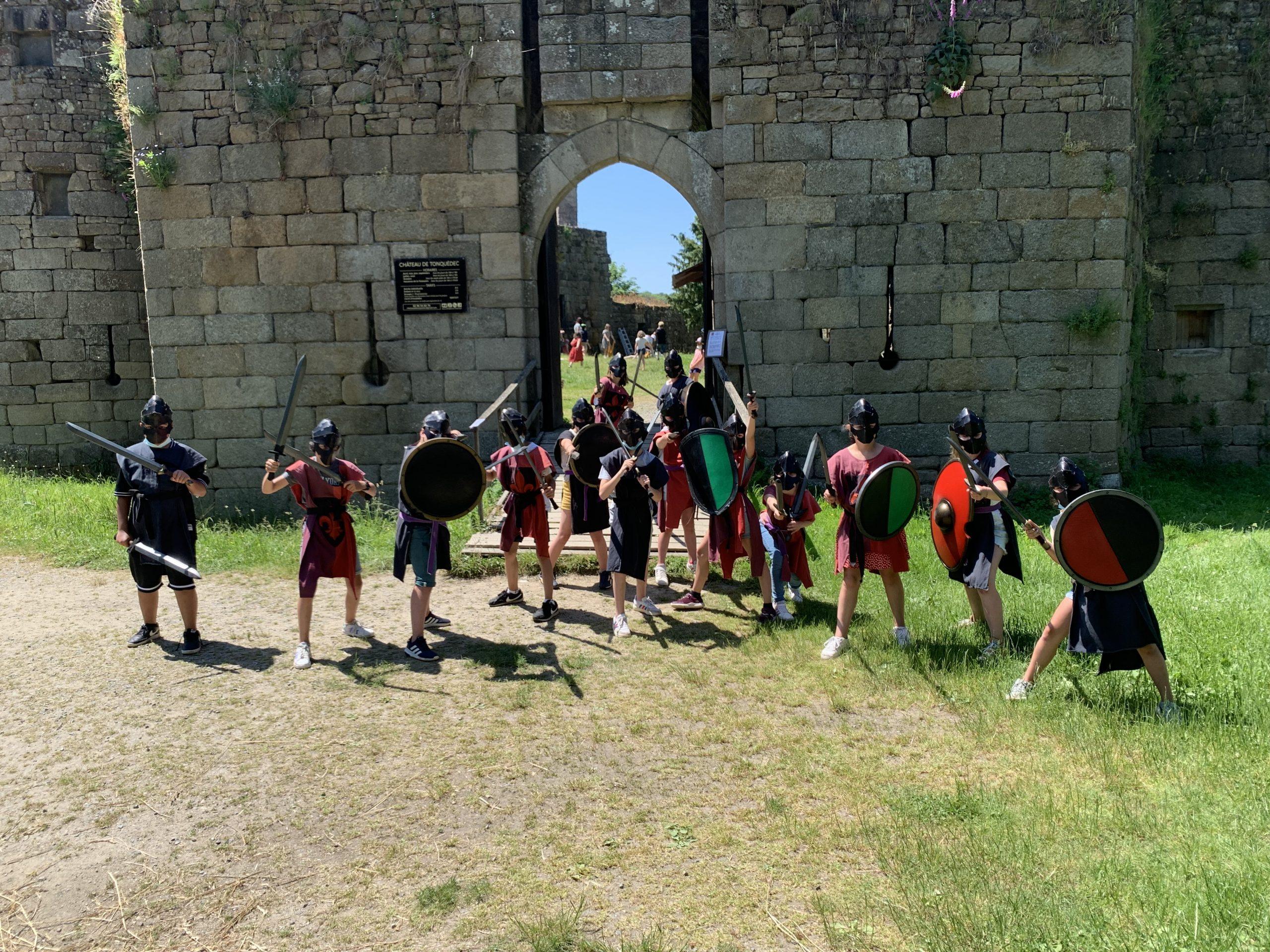enterrement vie de garcon chevalier ecole bretagne activité ludique evjf evg bretagne
